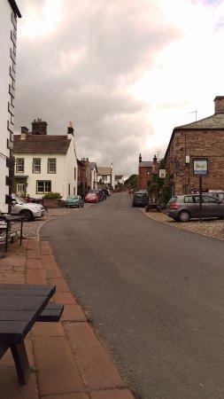 Kirkoswald, UK: VILLAGE PUBS