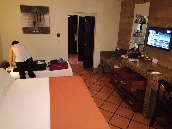 Baldi Hot Springs Hotel Resort & Spa: Suficiente espacio para mobilizarse y para las cosas que se llevan