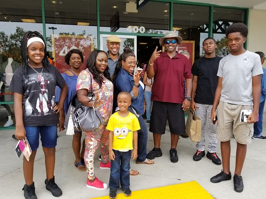 St. Augustine Premium Outlets : On August 5, 2017, I invited (40) of my family and friends for a day of shopping at St. Augustin