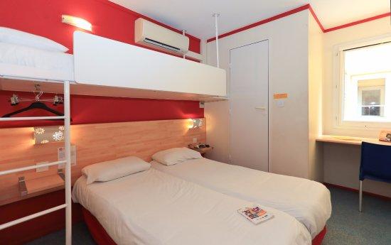 Lormont, ฝรั่งเศส: Chambre Triple 3 petits lits