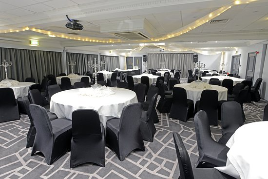 Village Hotel Manchester Cheadle: Banqueting