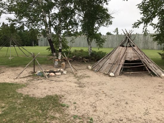 Colonial Michilimackinac: Colonial Muchilimackinac