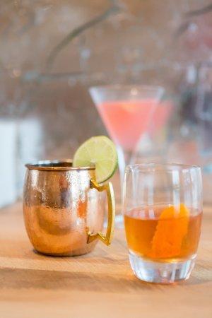 Glen Mills, Pensilvania: Full bar featuring handcrafted cocktails