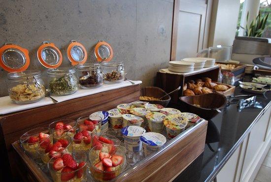 Ashorne, UK: Selection of breakfast buffet items