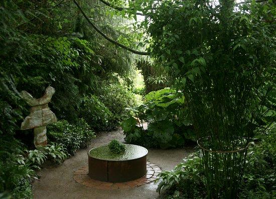 Jardin interieur ciel ouvert athis de l 39 orne frankrike - Jardin contemporain athis de l orne nantes ...
