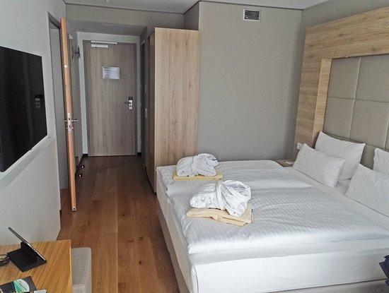 riesiger fernseher bild fr n wonnemar resort hotel wismar tripadvisor. Black Bedroom Furniture Sets. Home Design Ideas