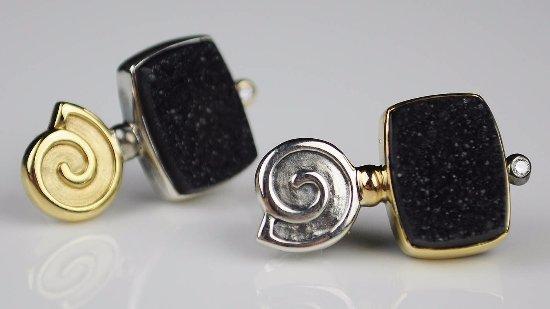 Maysville, KY: Conni Mainne - 18kyg & Druzy Earrings