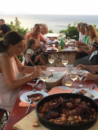 Ivan Dolac, كرواتيا: Restaurant Rot, Ivan Dolac - Magnificent view and the best octopus dish!