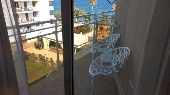 Protur Bonamar: small balcony