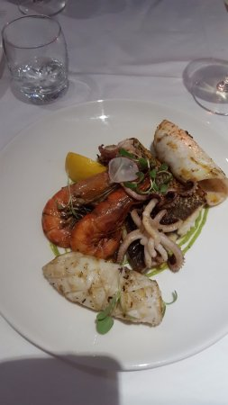 Venus Restaurant: Seafood platter