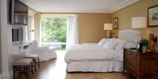 Hotel Estalagem St Hubertus: su-a-te-real_large.jpg