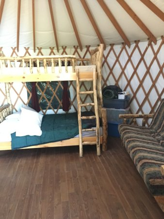 ‪‪Manitoba‬, كندا: Bed in the yurt‬