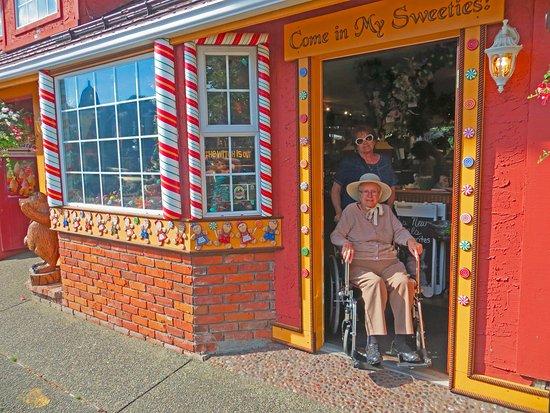 Chemainus, كندا: a visit to Gretel's