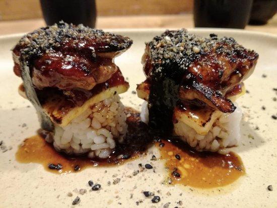 Nakashita: Sweet Nigiri: Nigiri de foie, queso y membrillo