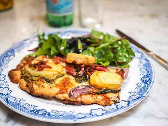 CocoRico: Homemade veggie tarte with mix salad