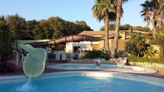 Pertamina Village - U Farniente : une des 3 piscines