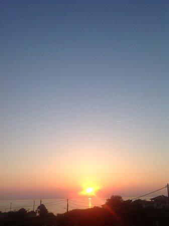 Kypseli, Hellas: Zonsopgang .... Zicht vanuit de suite