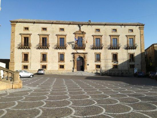 Palazzo Trigona della Floresta