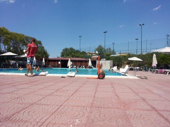 Piscina Passo Corese.Aggiunta Di Sale Picture Of Green Park Club Passo Corese