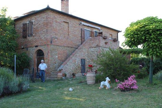 Torrita di Siena, Włochy: L'Agriturismo ed il Sig. Mario
