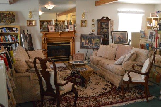 Novel House Inn at Zion: conversation space