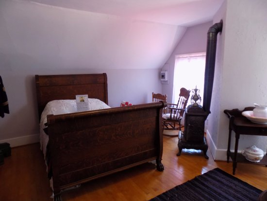 Eagle Harbor, MI: Part of the master bedroom (wish I'd taken more photos, this only shows part of the room)