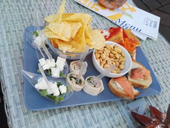 Estoril Beach Club: IMG_20170805_203355_large.jpg