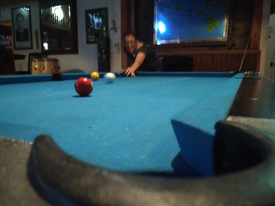 Carpinteria, CA: well maintained pool tables.