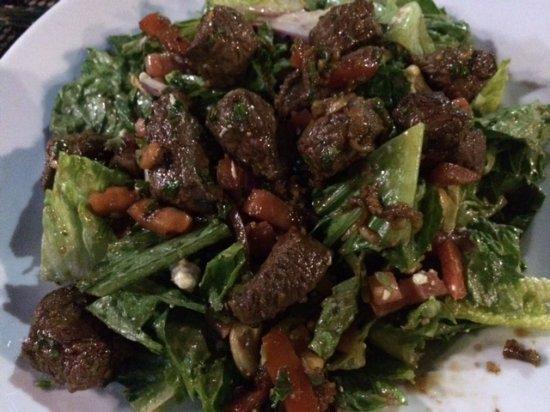 Spokane Valley, WA: Huge steak salad-amazing