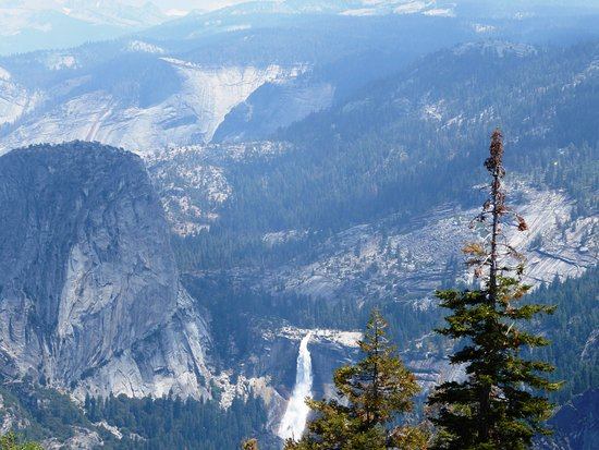 Yosemite Close Up Tours: View of Half Dome from Glacier Point where we had lunch.