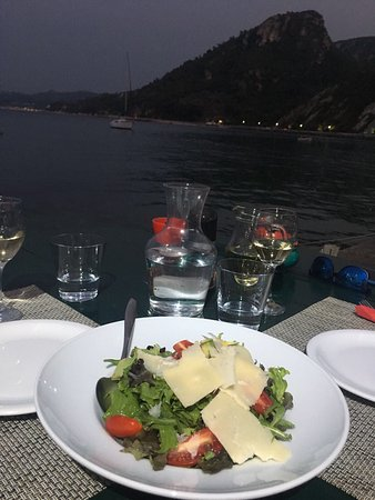 Avlakia, Greece: Enjoy yourself with the beautiful late evening sea view , tasting Greek cousine with a bit of Ca