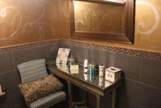 Bayside, NY: Ladies Room