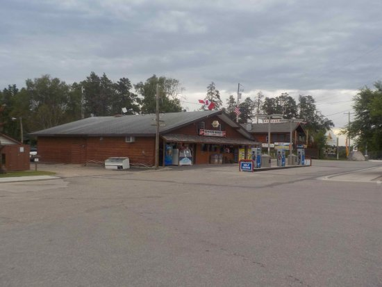 West Hawk Lake, Canadá: Office and Convenience Store