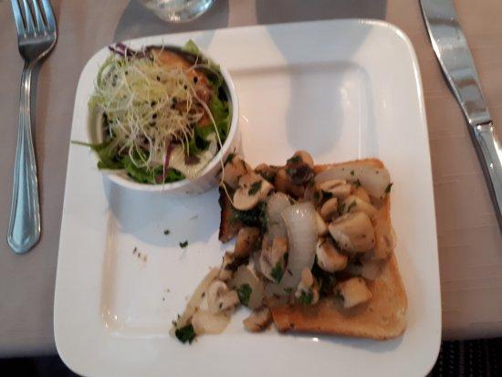 'T Pallieterke: Mushrooms on Toast (starter)