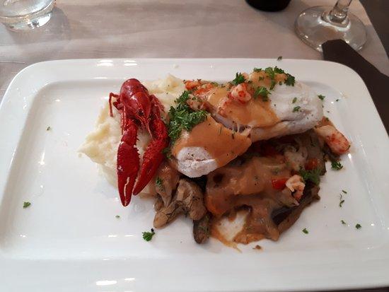 'T Pallieterke: Cod loin on Crayfish sauce and mashed potato