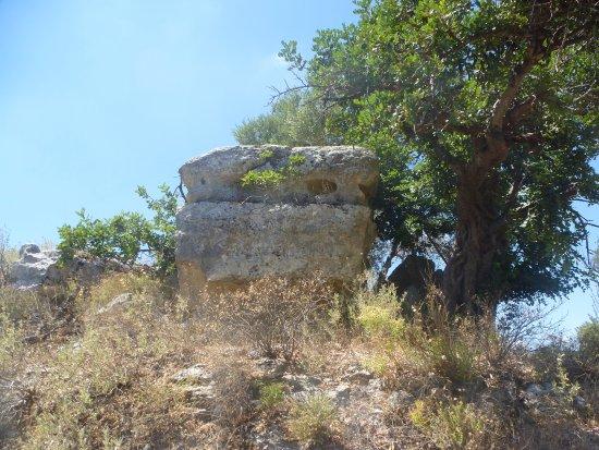 Eleutherna: overblijfsel aquaduct