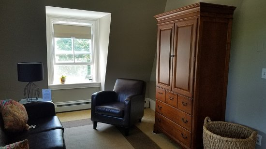 Marblehead, MA: The living room in Suite 10