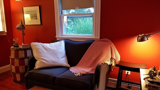 Marblehead, MA: A comfortable nook in one of the common areas.