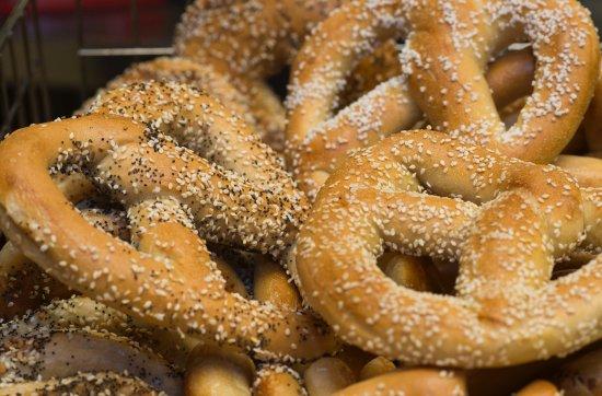 Bethesda, MD: Fresh Pragels (Pretzel Bagels)
