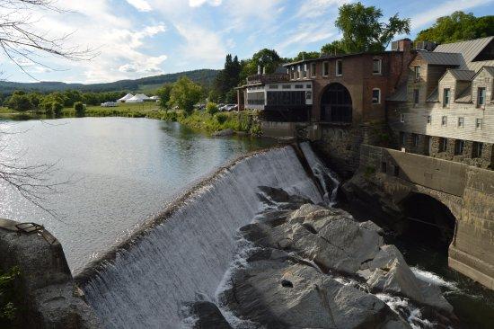 Quechee, VT: vista para a cascata