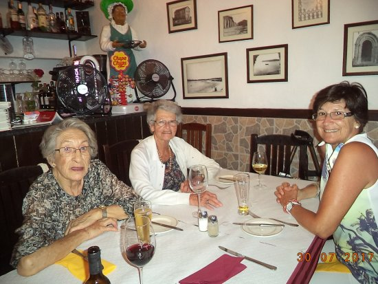 Restaurante O Alcaide : My Family enjoying