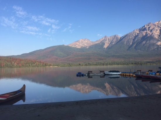 Pyramid Lake Resort: Pyramid lake vie in morning