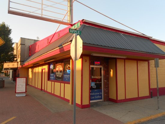 Omak, WA: Los Gallos - the building