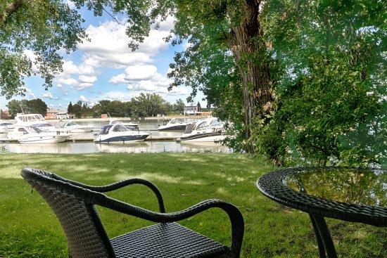 Auberge Handfield Et Spa: Chambre deux lits queen vue rivière - Pavillon Desmarais