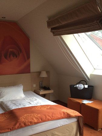Kur- und Wellnesshaus Spree Balance: Gemütliches, kleines Zimmer unter dem Dach