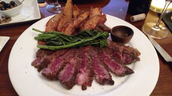 Perrone's Restaurant and Bar Photo