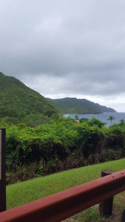 Renaissance St. Croix Carambola Beach Resort & Spa: Driving into the resort. The website photos are real. Really impressed