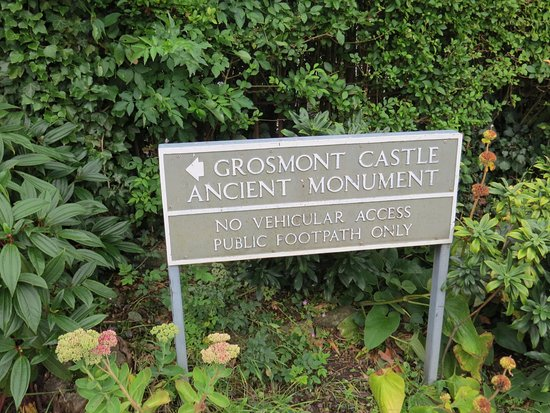 Grosmont, UK: The sign we missed twice