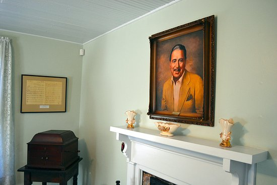 Tennessee Ernie Ford House: Interior of Ernie Ford House