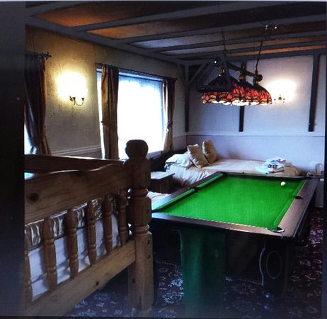 "Jasmine House: Games room bedroom with ""fixed pool table"" which is free to use"